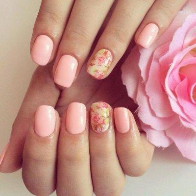Маникюр со слайдером розовый