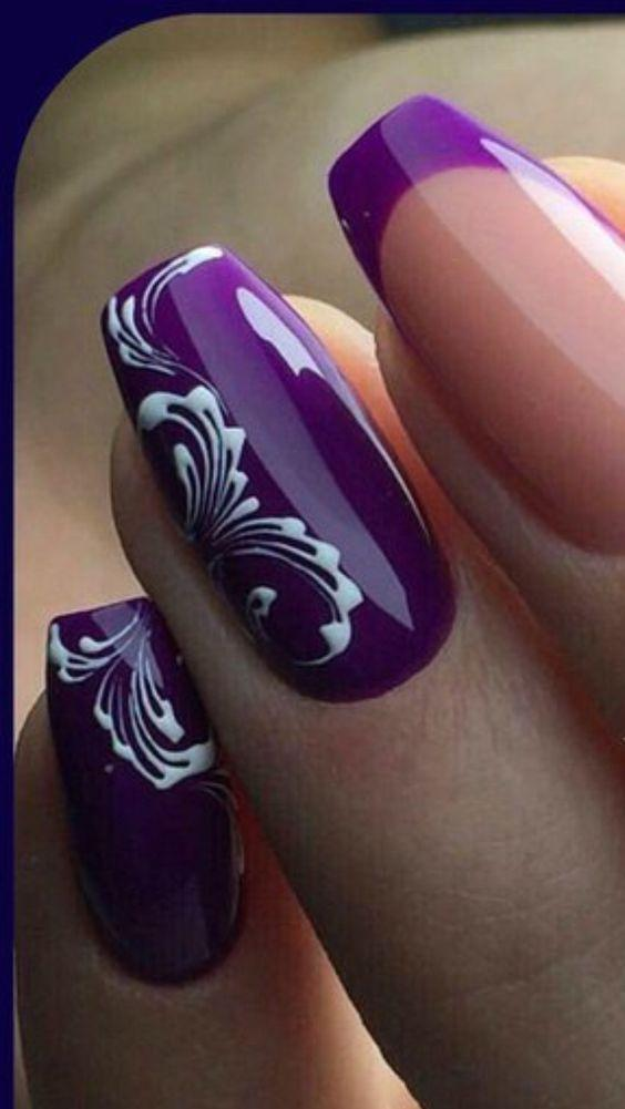 Фиолетовый маникюр