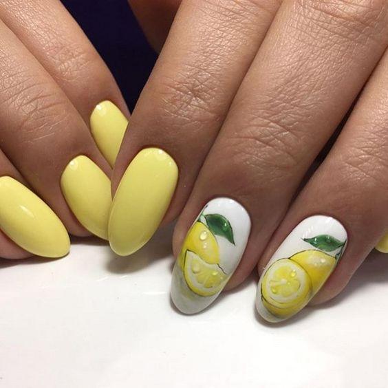Маникюр с рисунком желтый с лимоном