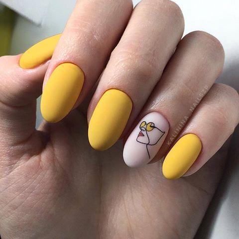 Желтый солнечный маникюр