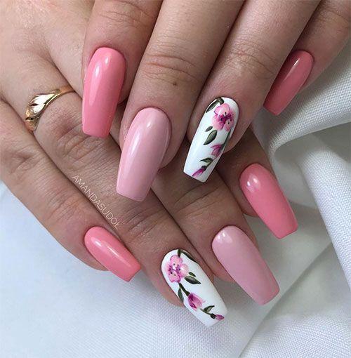 Маникюр с цветками розовый на длинные ногти