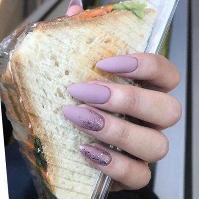 Маникюр фиолетовый матовый с блестками