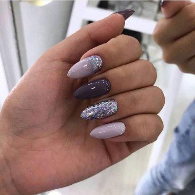 Маникюр фиолетовый с блестками