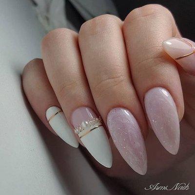 Маникюр розовый и белый