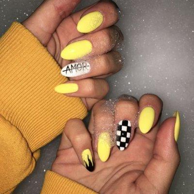 Желтый маникюр amore