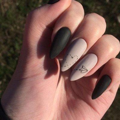 Маникюр серый с черным