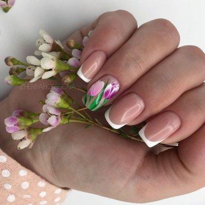 Маникюр с цветами френч