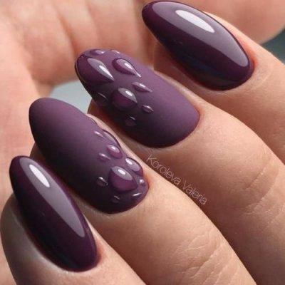 Маникюр фиолетовый матовый с капельками