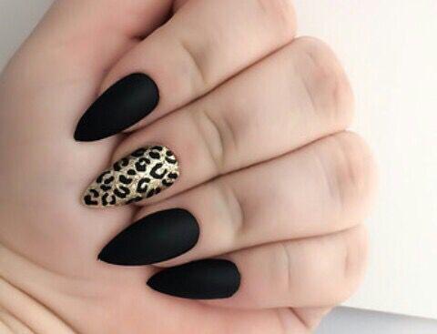 Маникюр черный с леопардовым принтом