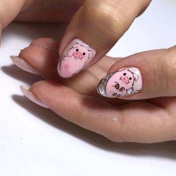 Маникюр со свинкой
