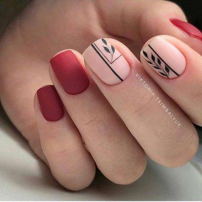 Красный матовый маникюр с розовым