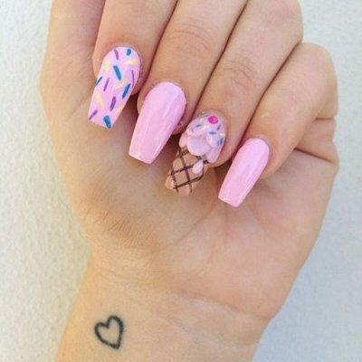 Маникюр сладкий розовый