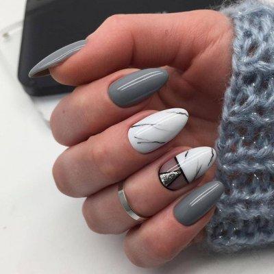 Маникюр серый с мрамором