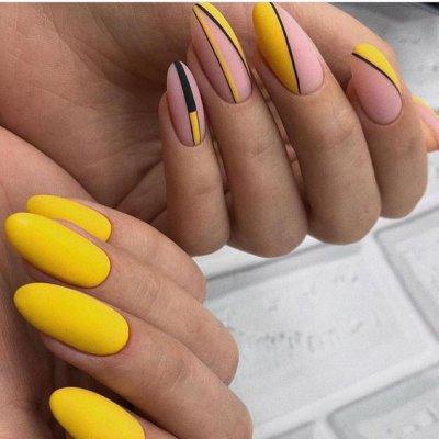 Желтый матовый маникюр