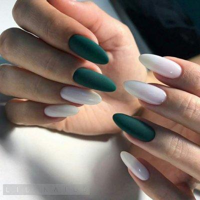 Зеленый и белый маникюр