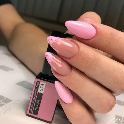 Розовый маникюр с дизайном