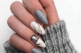 Маникюр мраморный серый