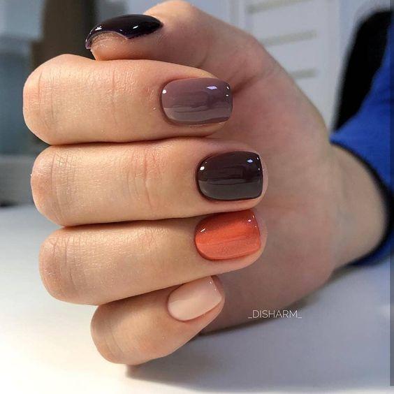 Разноцветный маникюр оранжевый коричневый