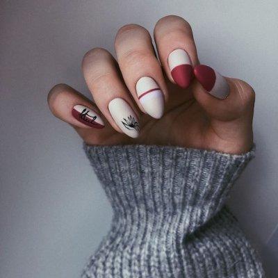 Белый маникюр с красным