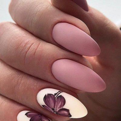 Маникюр розовый белый с цветками