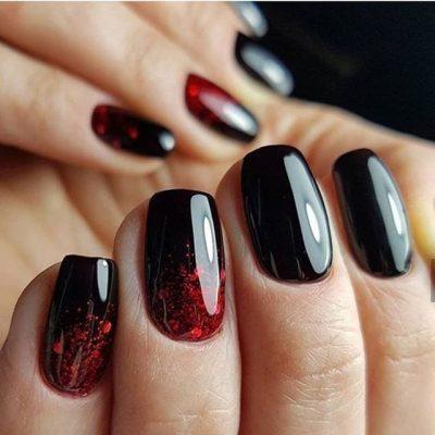 Черный маникюр с красным