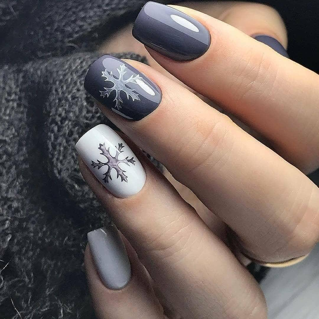Серый белый зимний маникюр
