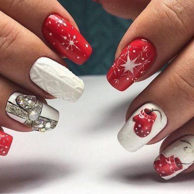 Красный маникюр с белым зимний