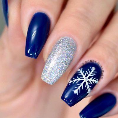 Синий серебристый зимний маникюр