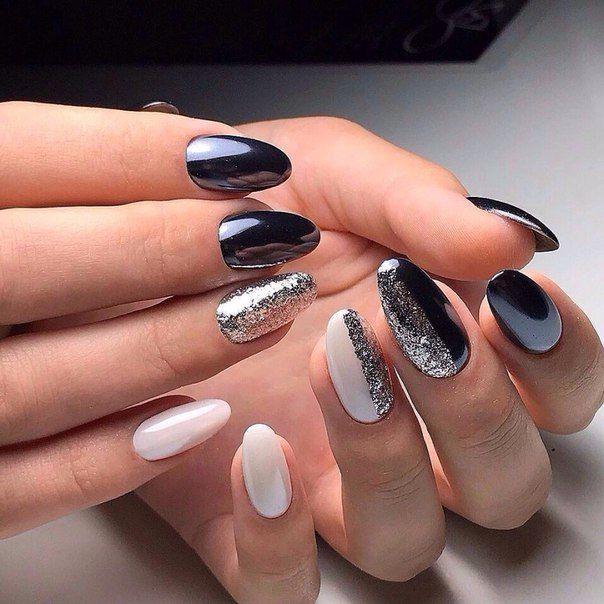 Черный маникюр с белым и серебром
