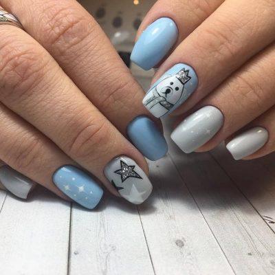 Голубой маникюр на зиму