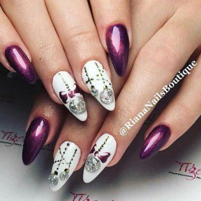 Фиолетовый с белым маникюр на новый год