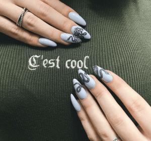 Змеи на ногтях: маникюр для дерзких леди (20 фото)