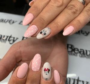 Нежно-розовые ногти: модные идеи и свежий дизайн из Instagram