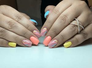 21 идея фантастических коротких квадратных ногтей для лета