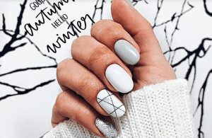 Маникюр в белом цвете: топ-7 модных идей на 2020 год