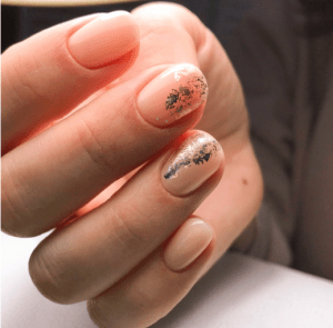 Дизайн ногтей с фольгой 2020: фото новинки, свежие тренды