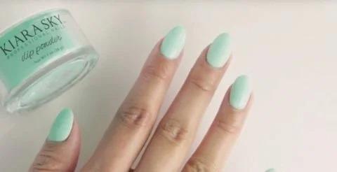 Гель-лак сдает позиции! Новый тренд в маникюре «Пудровые» ногти