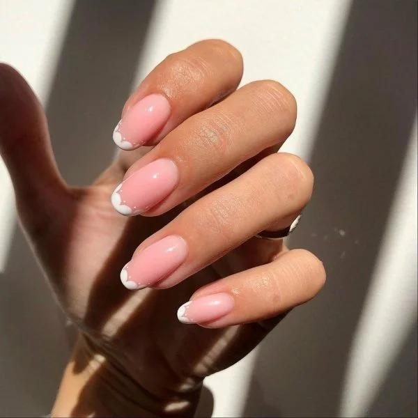 5 мелочей на ногтях, которые выдают маникюр из «хорошего салона»