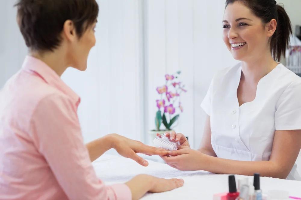 Почему я ушла из ногтевого сервиса, хотя у меня было полно клиентов и я отлично зарабатывала