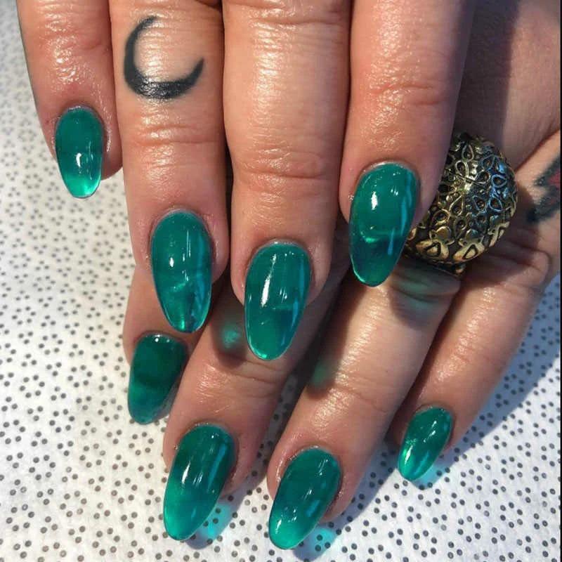 Маникюрный тренд этого лета – «желейные» ногти