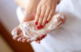 Domača pedikura z salonskim učinkom: kako v 40 minutah dobiti urejene noge