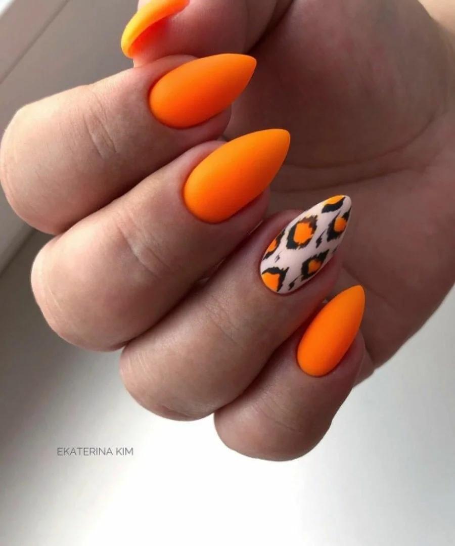 Модные ноготки: выбираем актуальные цвета лака для ногтей на осень - 2020