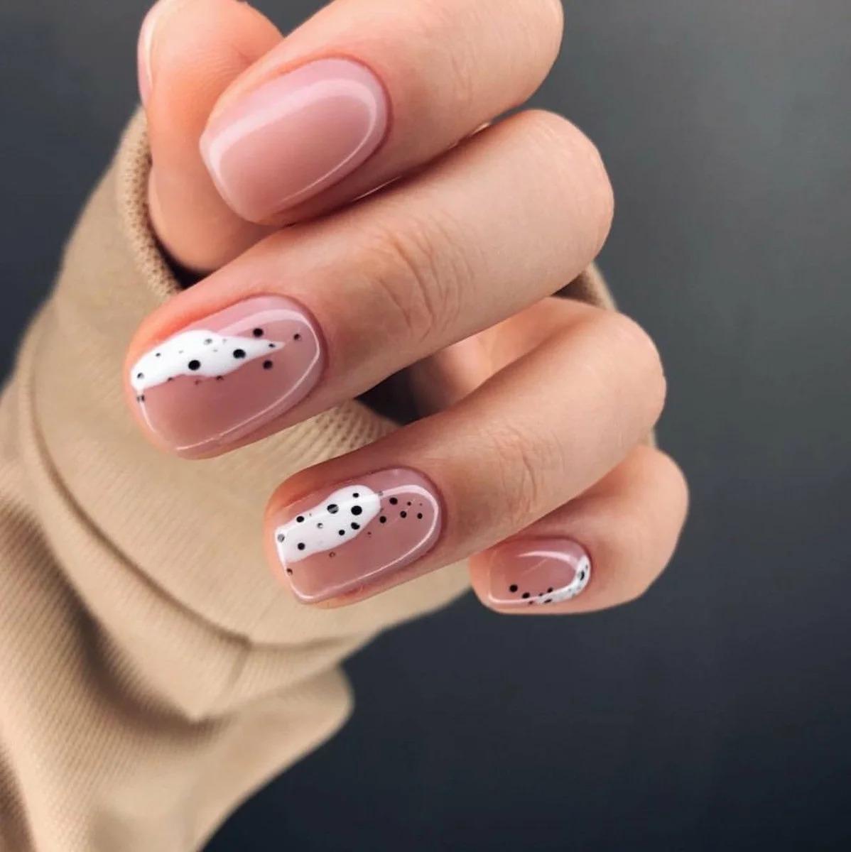 Как легко сделать маникюр на коротких ногтях