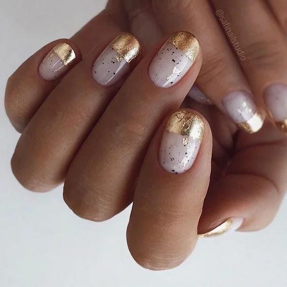 Осеннее золото и оттенки дождя: 10 идей для дизайна ногтей на зиму и осень