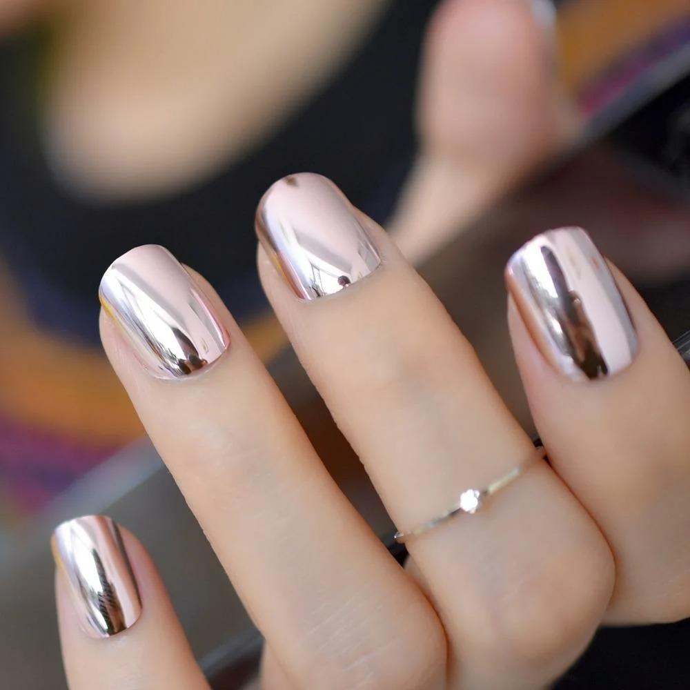 Новогодний маникюр 2021 – как покрасить ногти, чтобы год Белого Металлического Быка принес удачу. Фото примеров