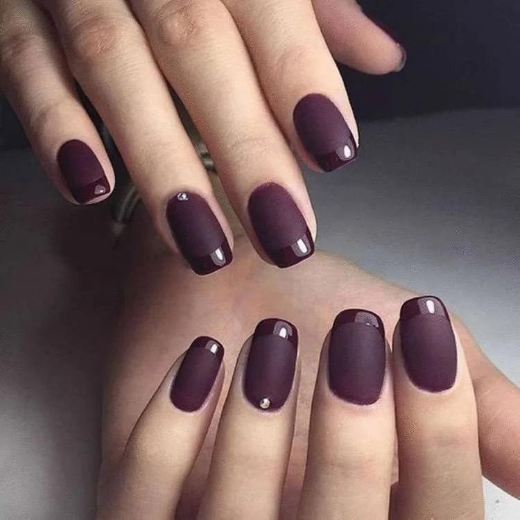 Какой выбрать дизайн ногтей взрослой женщине в 2021 году
