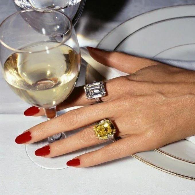 Позволительная роскошь: 5 вариантов маникюра, чтобы все думали, что вы богатая женщина