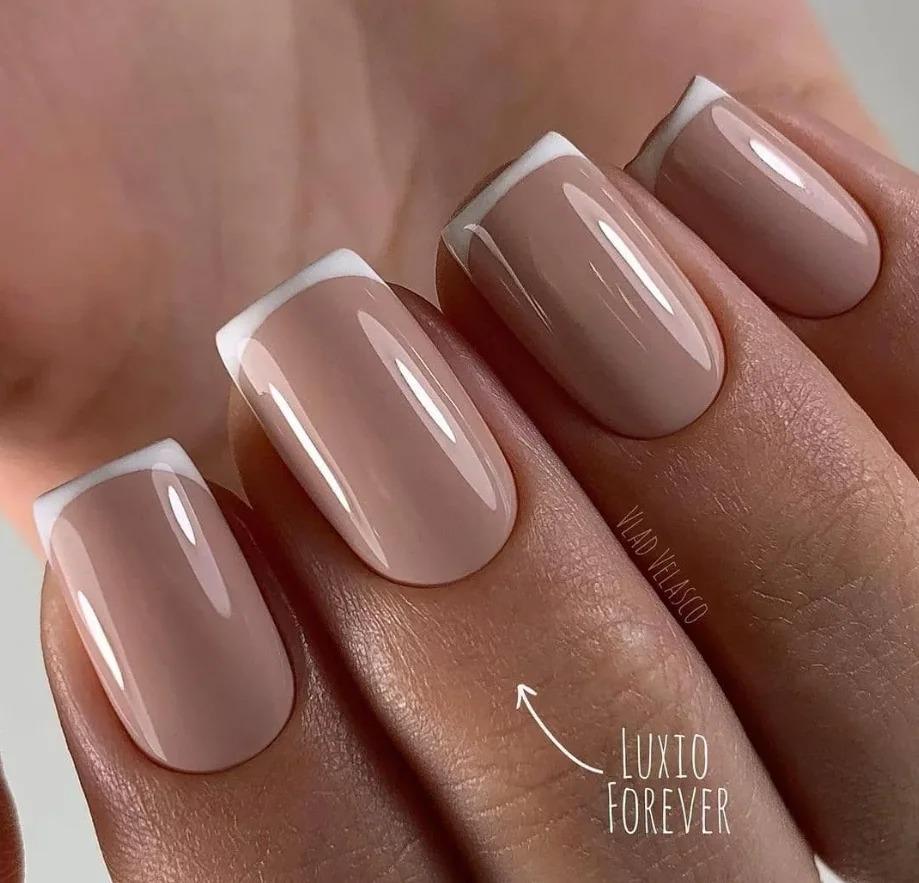 Френч 2021: Модные тенденции, фото. Яркие дизайны, идеи ногтей, красивые оттенки, подборка фото.