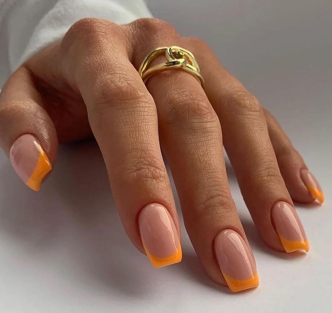 Френч весна 2021, дизайны ногтей, модные идеи на март, стильные оттенки, разные техники, фото.