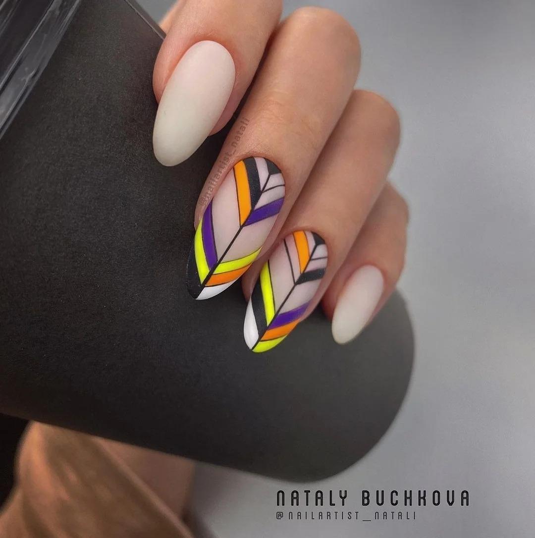 Весенний маникюр, который актуален на март. Дизайны ногтей, модные идеи, стильные оттенки, подборка фото 2021.
